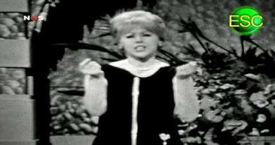 Betty Curtis